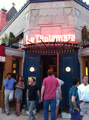 Entrance to Le Diplomate